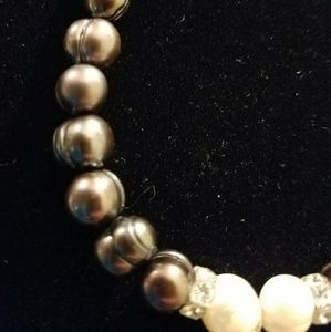 Jewelry - Freshwater pearls necklace